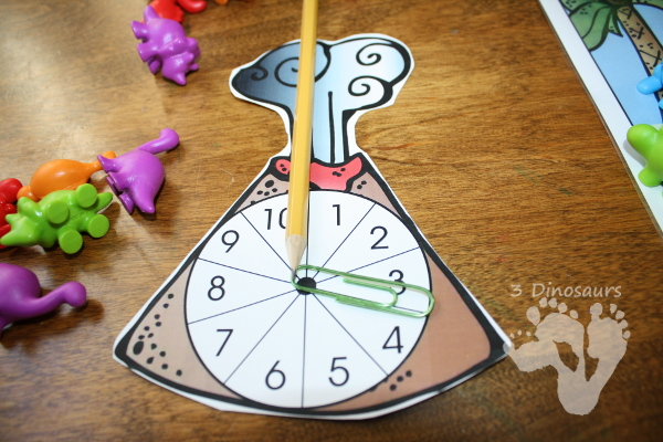 Free Dinosaur Themed Addition & Subtraction Mats: adding or subtracting using numbers 1 to 10 - 3Dinosaurs.com