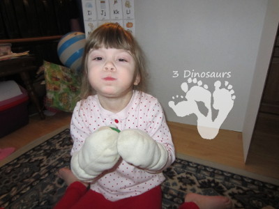 Cutting with Mittens -Three Kittens - 3Dinosaurs.com