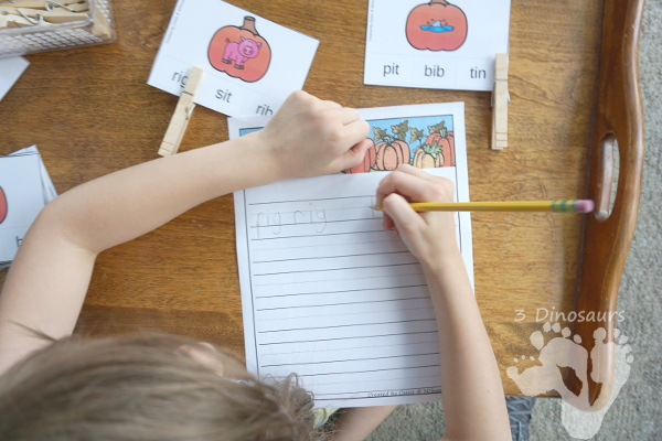 Free Fun Hands-On Pumpkin CVC Rhyming Clip Cards - 20 cards for kids to use.- 3Dinosaurs.com