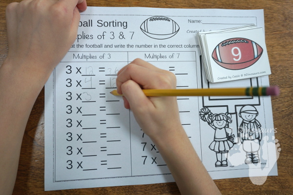 Free Football Sorting Multiplies of 3 & 7 - 2 sets of cards, a sorting mat and two recording worksheets - 3Dinosaurs.com